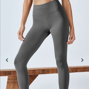 Fabletics Define High Waisted grey Seamless crops